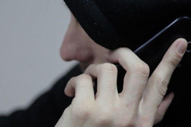 На Харківщині чоловік подзвонив до поліції і заявив, що освячуючи паску... забув у церкві гранату