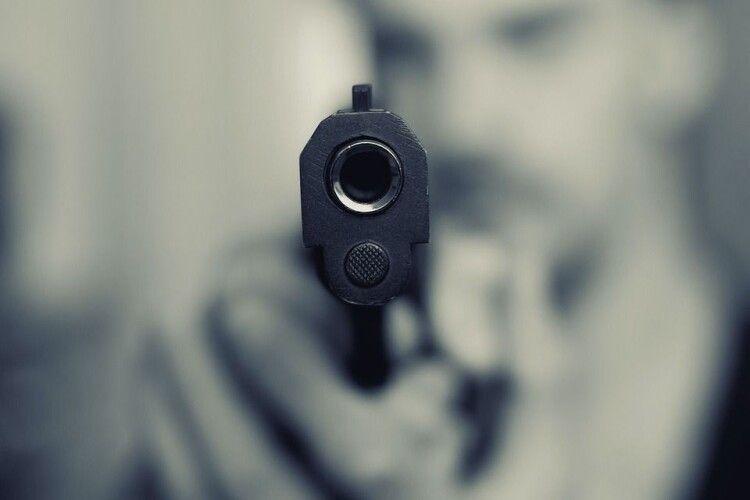У центрі Луцька підлітки відкрили стрілянину: прокурори вимагають перегляду справи