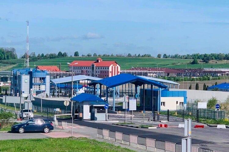 На державному кордоні України відновлено роботу двох пунктів пропуску