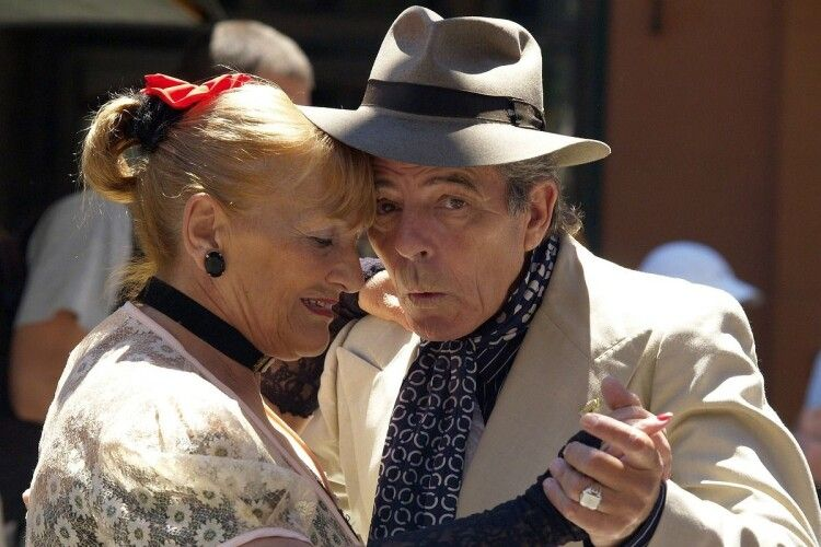Коли й наші пенсіонери танцюватимуть краков'як? Погляд Алли Лісової