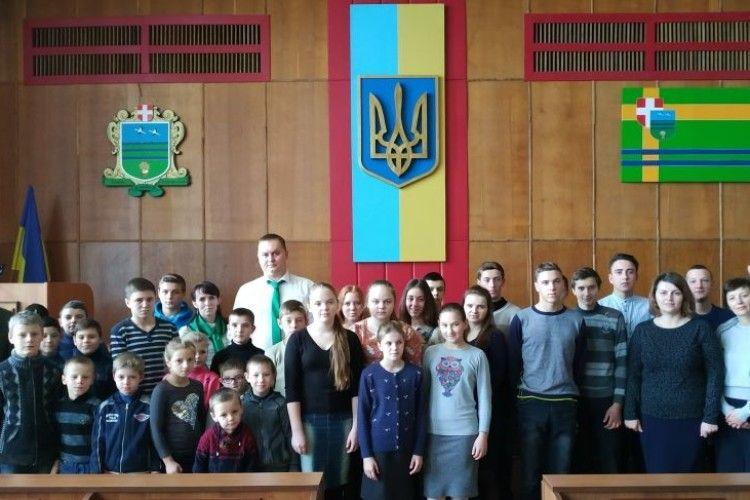 Святий Миколай завітав до дітей Камінь-Каширщини