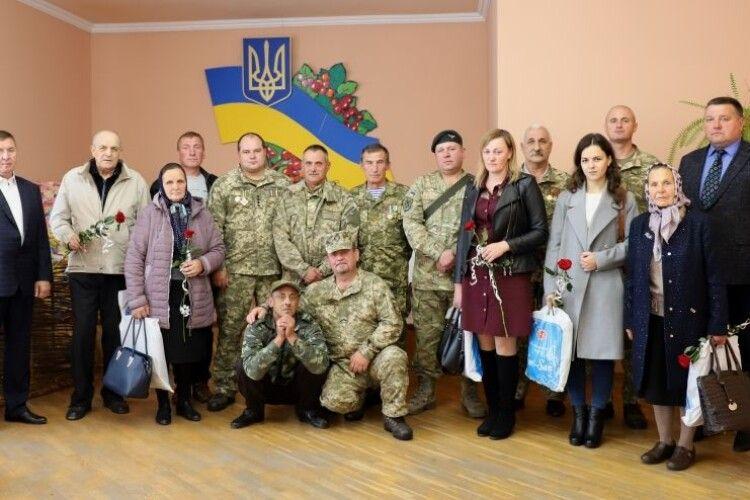 На Камінь-Каширщині вшанували подвиги захисників України