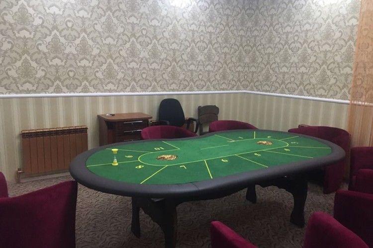 У центрі міста кримінальні «авторитети» облаштували підпільне казино (фото)