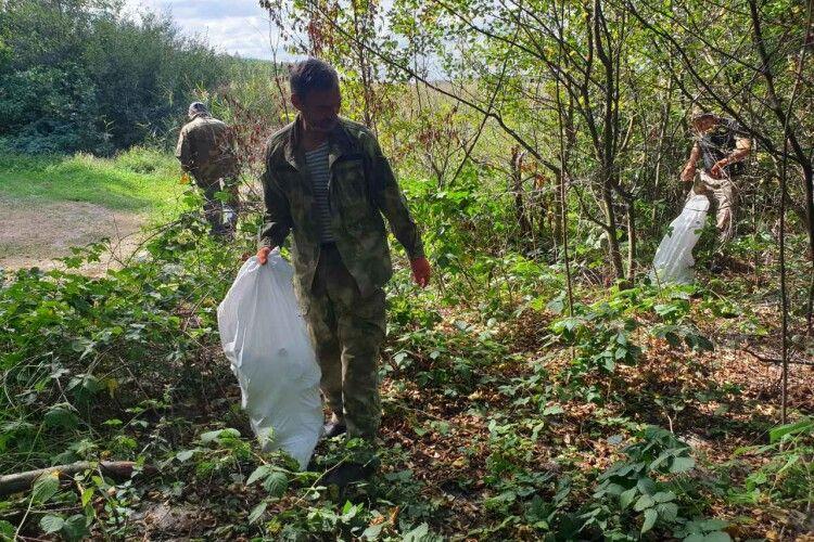 Цього року на Шацьких озерах туристи залишили менше сміття