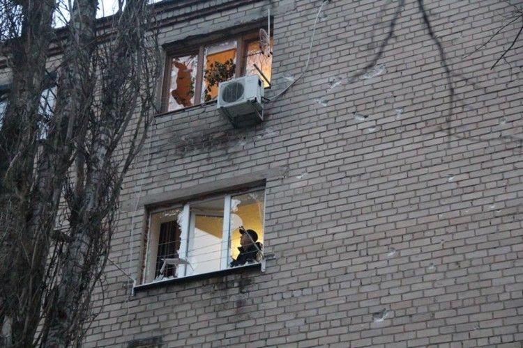 Російські окупанти знову обстріляли Авдіївку (фото)