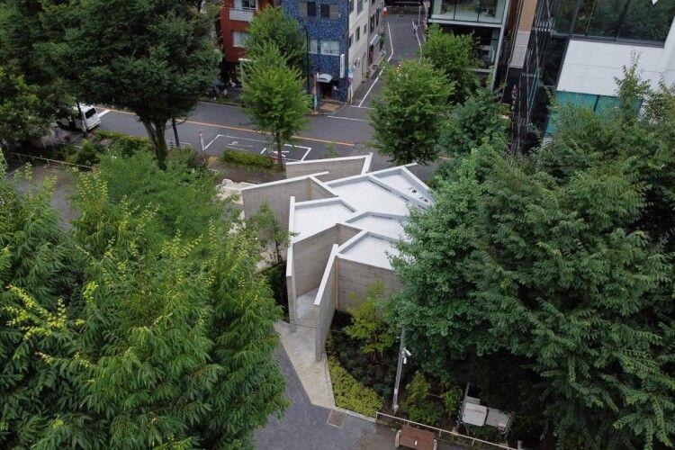 У Токіо почали будувати вбиральні-лабіринти
