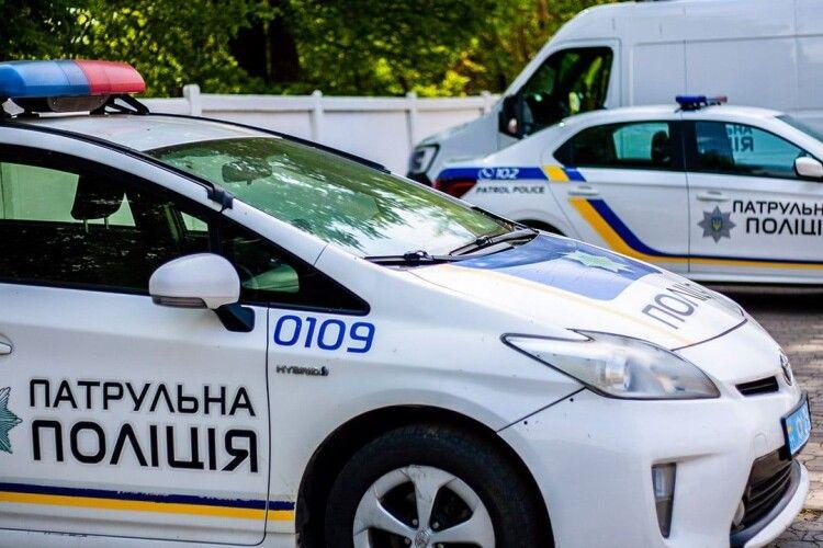 У Луцьку патрульні притягнули до відповідальності водія маршрутки (Відео)