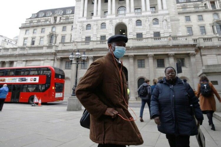 У Великій Британій черговий добовий рекорд нових хворих на коронавірус