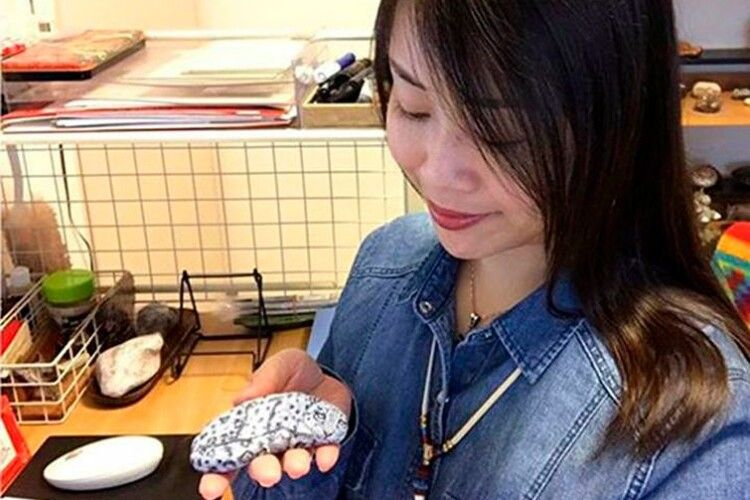 Instagram дня: як художниця оживлює камінь
