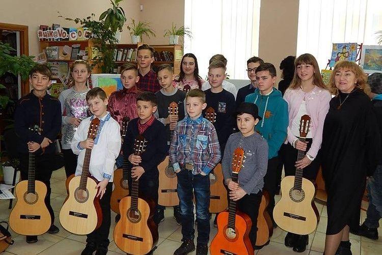 Рожищенські гітаристи виступали в бібліотеці