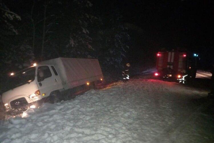 За минулу добу волинські рятувальники надали допомогу чотирьом водіям