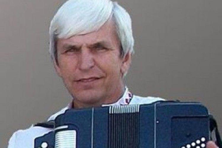 Помер керівник Зразкового ансамблю народної музики «Байда» Віктор Портянко