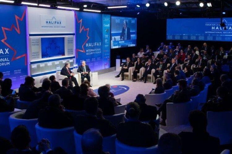 Петро Порошенко візьме участь у безпековому форумі в Галіфаксі
