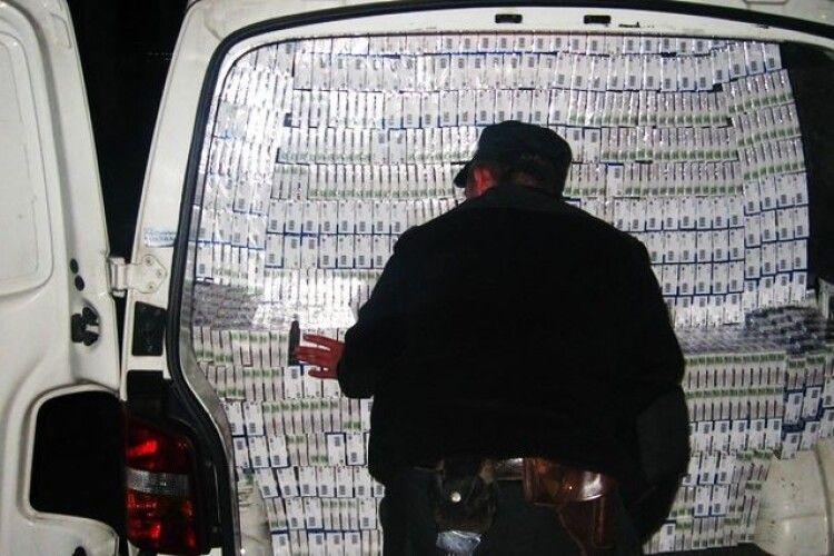 161 тисячу пачок цигарок виявили волинські митники