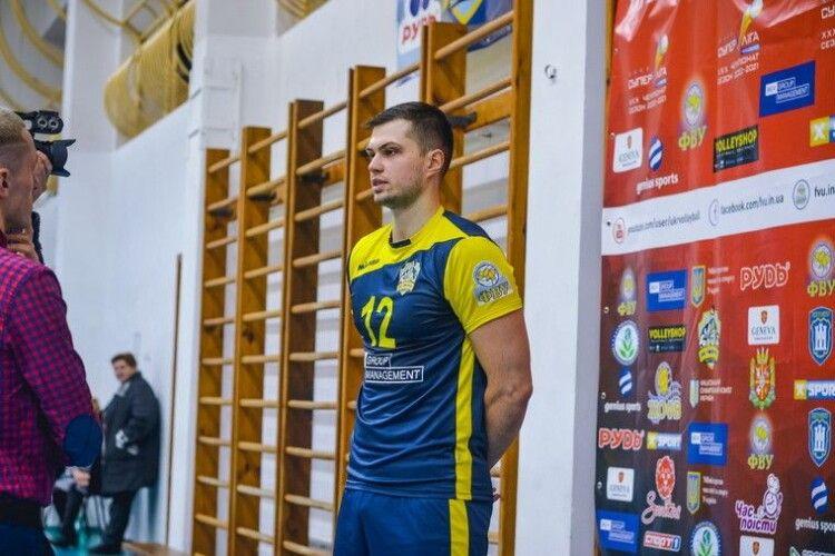 Волейбол: срібний призер чемпіонату України продовжує збирати суперкоманду. Знайшли зв'язку