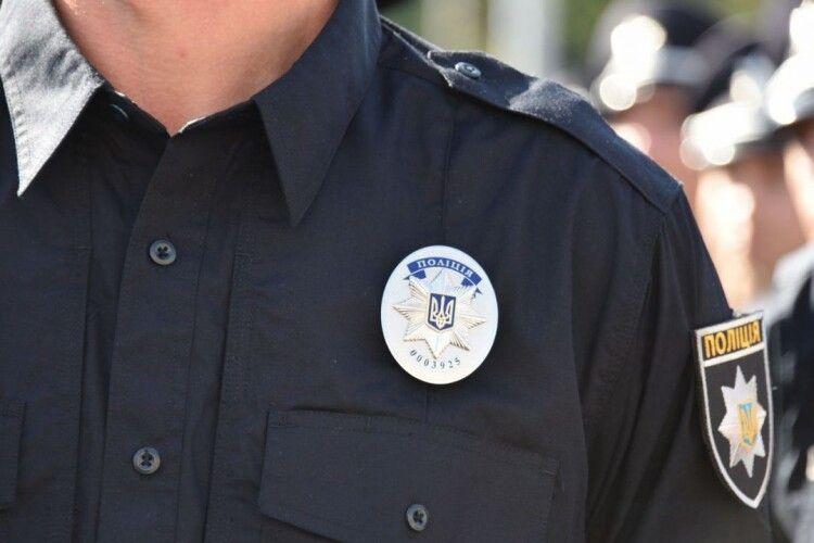 На Любешівщині поліція перевіряє, як дотримуються заходів ізоляції ті, хто прибув з-за кордону