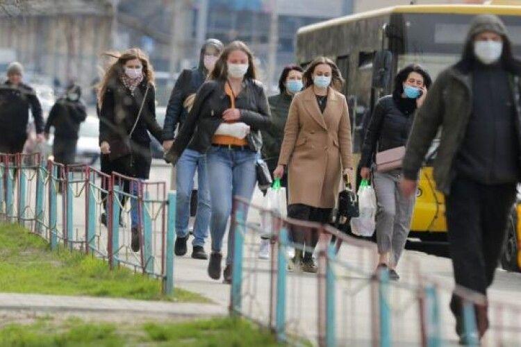 На Рівненщині після «вихідного» карантину менше нових хворих і чотири смерті
