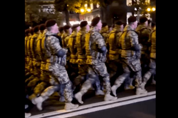 У мережі з'явилося відео репетиції параду з піснею «Путін – х*йло»