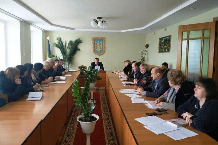 Любешівську та Маневицьку районні держадміністрації приєднають до Камінь-Каширської РДА