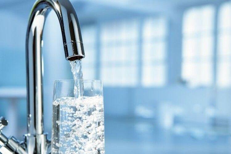 У низці освітніх закладів Волині під час дослідження виявили неякісну питну воду