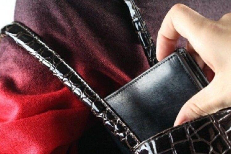 Донеччанин відсидить за ґратами 2 роки за крадіжки гаманців у луцькому транспорті