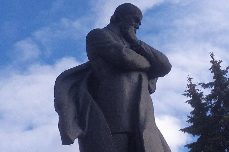 Зафіксовано світовий рекорд  за кількістю пам'ятників  Тарасу Шевченку