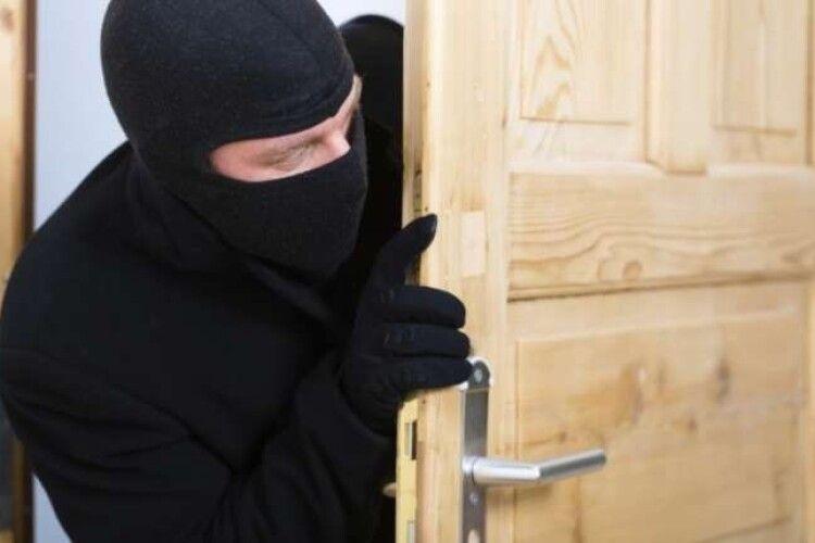 33-річного спритника зі Здолбунова судитимуть за вчинення 16 крадіжок (Фото)