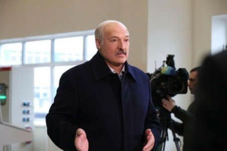 У Білорусі всіх директорів цукрових заводів звинуватили в хабарництві