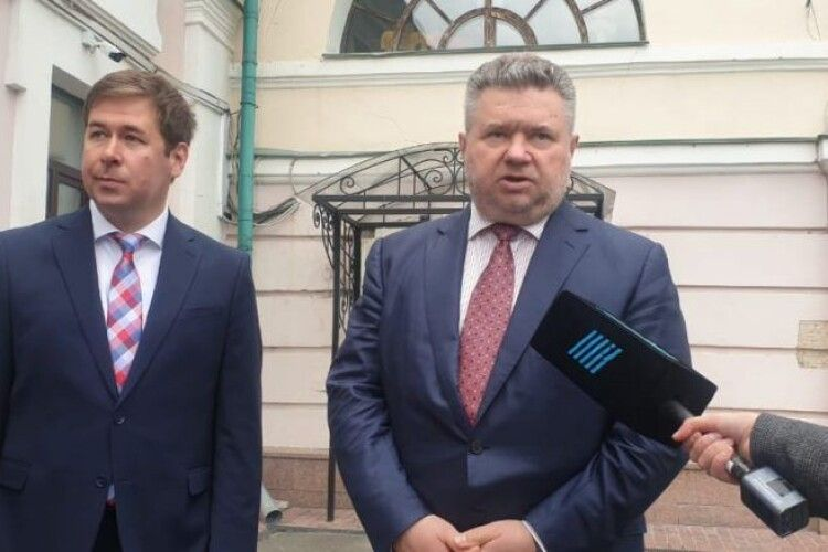 Ми ставимо питання про відповідальність Деркача і Дубінського за антиукраїнську діяльність – адвокати п'ятого Президента