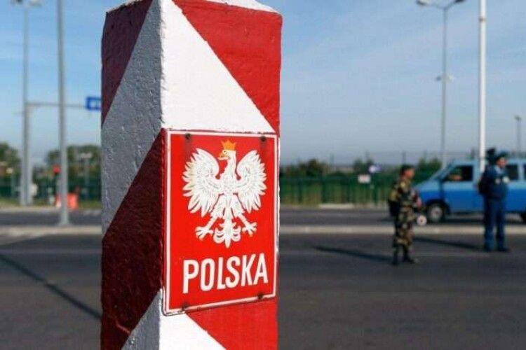 Польща може запровадити коронавірусні обмеження на кордонах з Чехією та Словаччиною