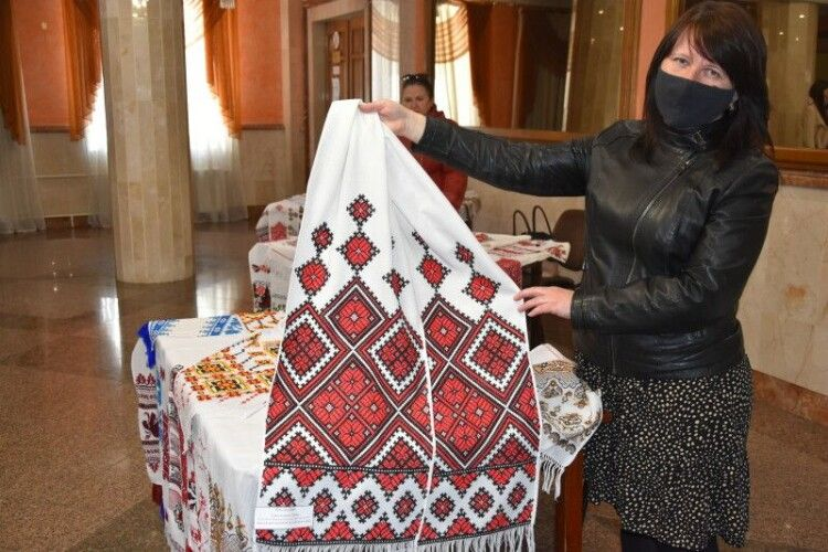 Як у Луцьку хвалилися рушниками (Фото)