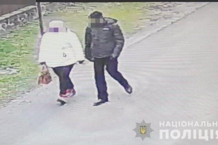 Під Луцьком депутатка з чоловіком влаштували перформанс і пограбували чоловіка(Фото)