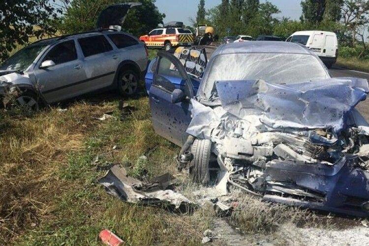 Автотроща на Миколаївщині: двоє загиблих, п'ятеро травмованих