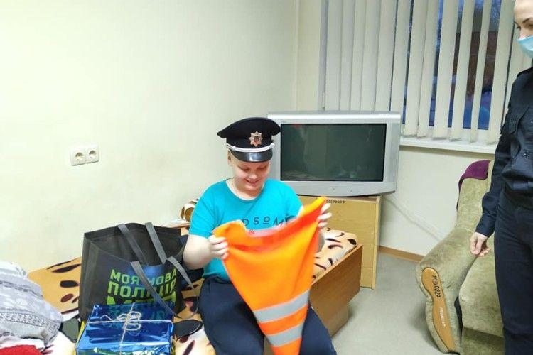 Волинські патрульні допомогли Святому Миколаю здійснити мрію Максима (фото)