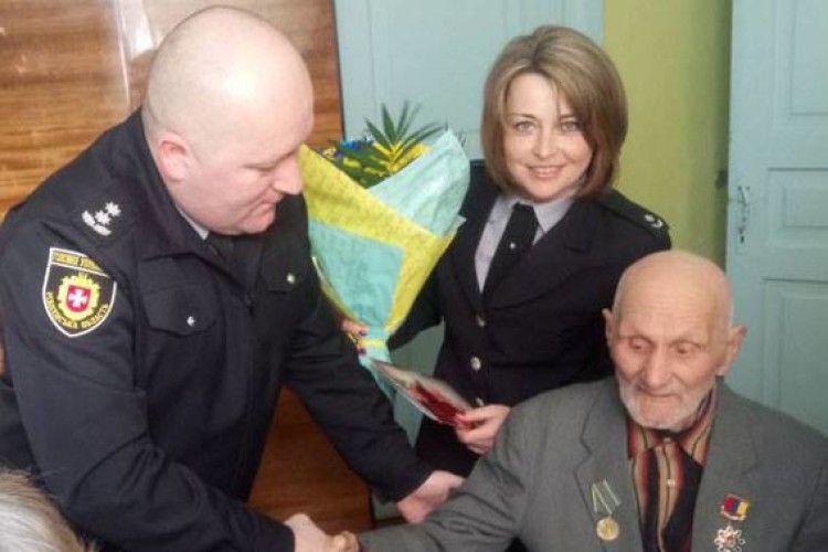 Ветеран ОВС приймав вітання від поліцейських з нагоди свого 100-річчя