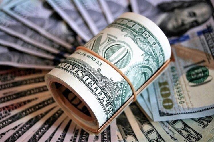 В Україні через коронавірус подорожчає долар