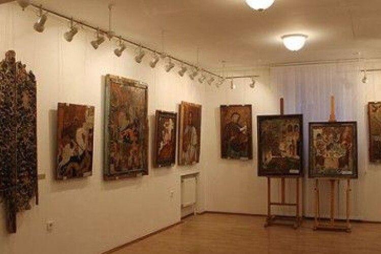 Що Музей волинської ікони повіз на виставку у рівненський Вараш