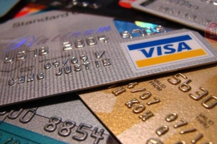 На Волині співробітниця банку привласнювала гроші з рахунків клієнтів