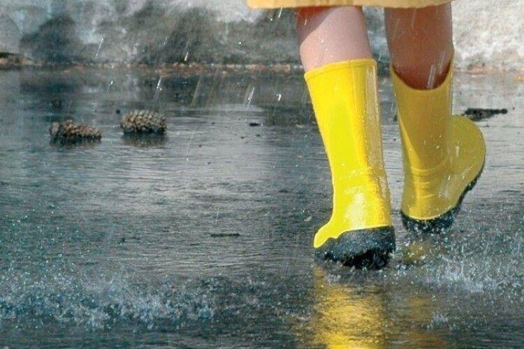 Погода на вівторок, 23 червня: литиме, як з відра, місцями випадатиме град