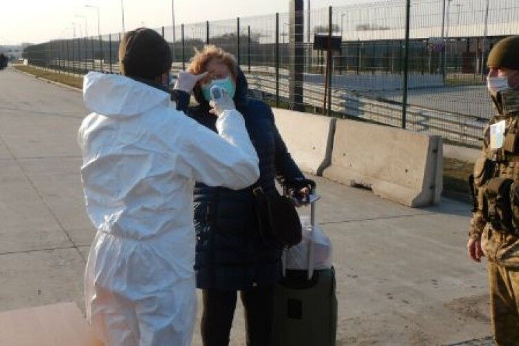 8,8 тисяч українців за кордоном наполягають на поверненні додому