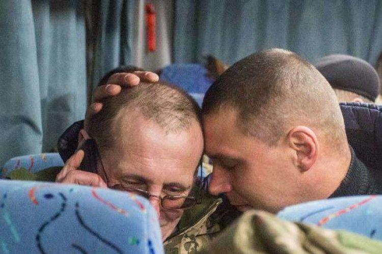 Кожен, хто повернувся з полону бойовиків, отримає ще по 50 тис. грн допомоги
