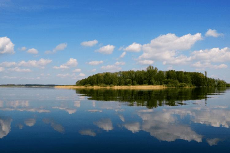 Особливості Шацьких озер, що приваблюють туристів