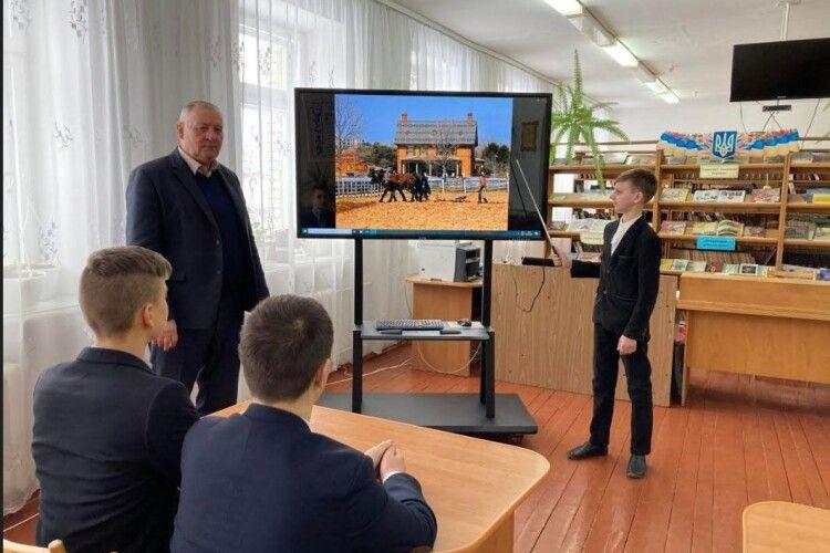 3D-принтер, планшети, комп'ютери: сільській школі на Волині позаздрять міські