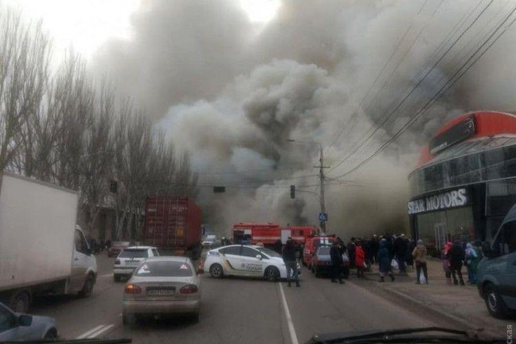 В Одесі вирувала страхітлива пожежа (фото)