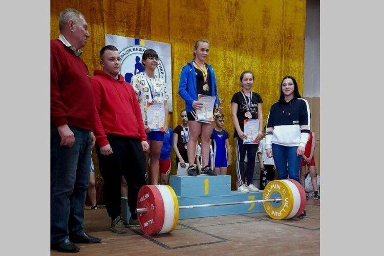 Камінь-Каширські важкоатлети здобули 11 медалей та перше командне місце
