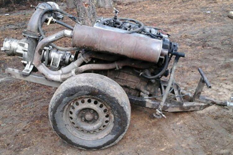На Рівненщині натовп бурштинокопачів відбив у поліцейських квадроцикл з мотопомпою