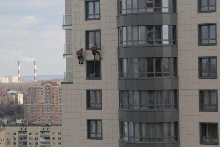 Українська поліція тепер має ще й повітряний спецназ