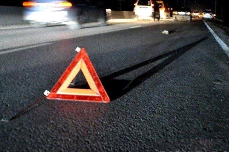 На трасі Луцьк-Горохів авто на смерть збило жінку