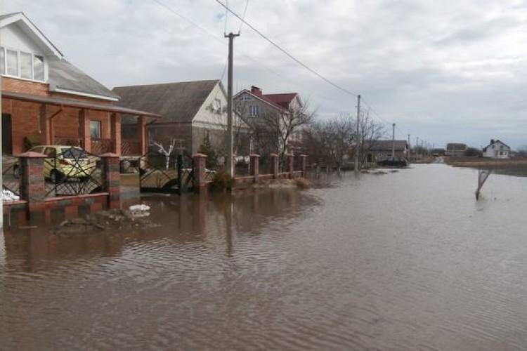 На Волині вода підтопила будинки