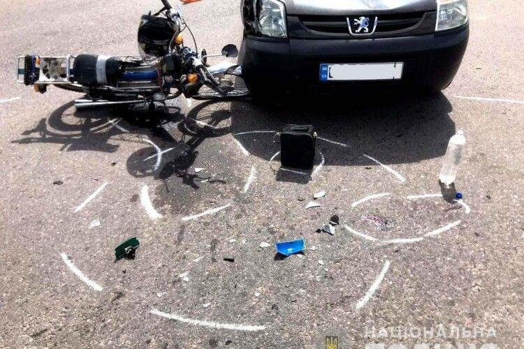 55-річний мотоцикліст потрапив у страшну аварію на Рівненщині (Фото)